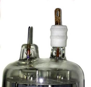 Anodová čepička pro elektronky GU29 - zlatá