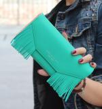 Elegantní peněženka se střapcema - zelená
