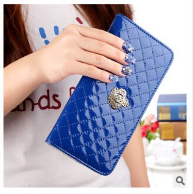 Lakovaná peněženka - modrá