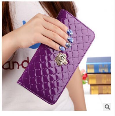 Lakovaná peněženka - fialová
