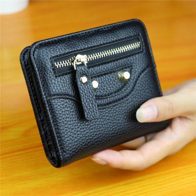 Malá elegantní peněženka - černá